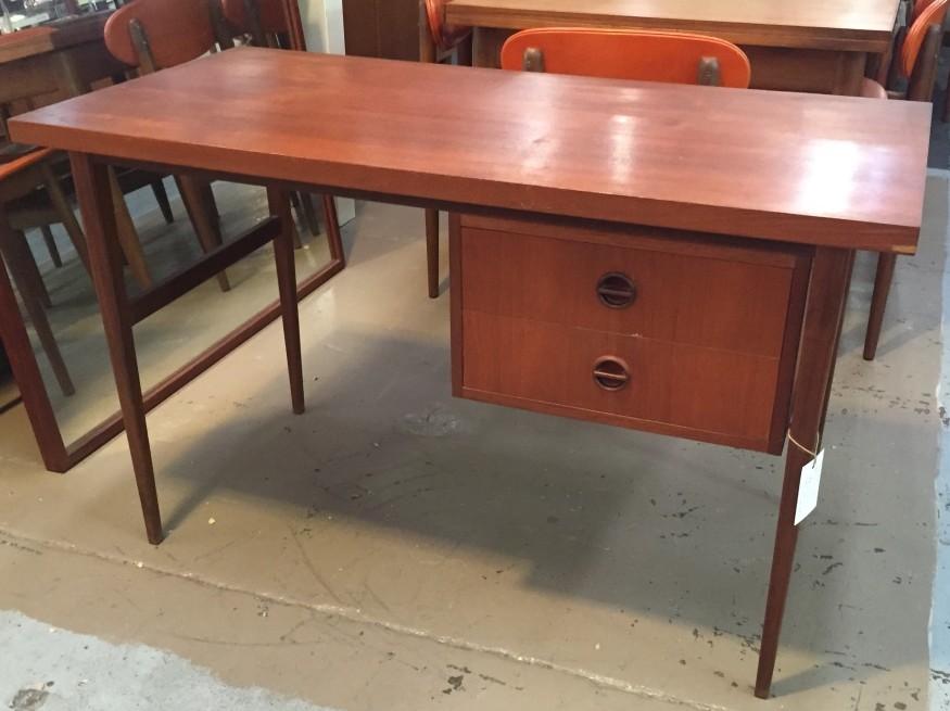 Parker Nordic Desk
