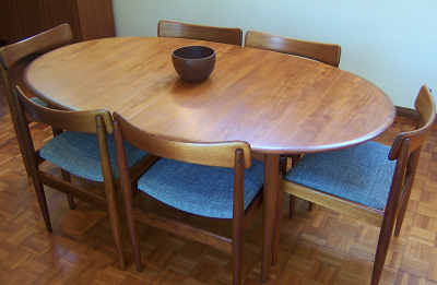Parker Oval Extension Table