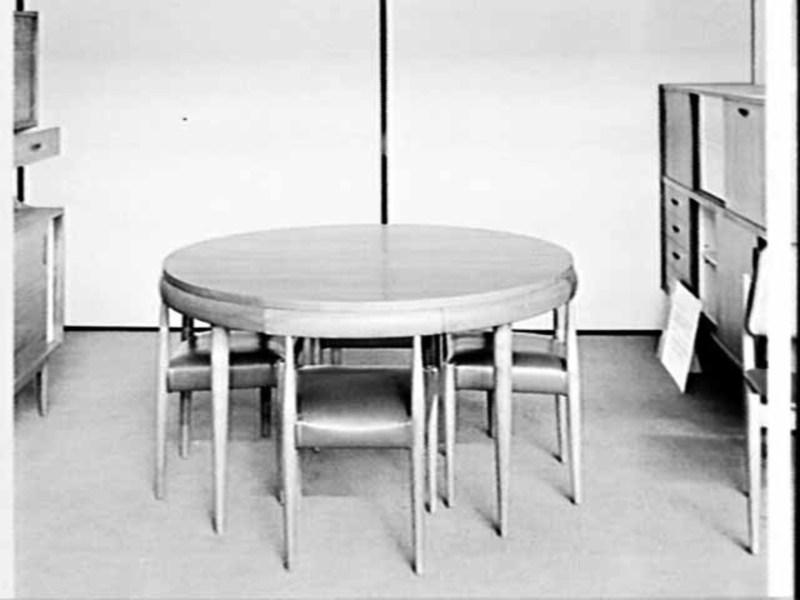 Berryman Dining Suite